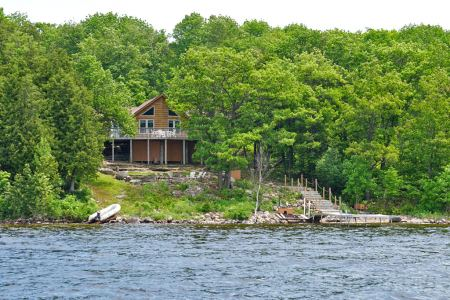 Royal lepage cottages for sale in honey harbour and for Royal terrace quarry bay